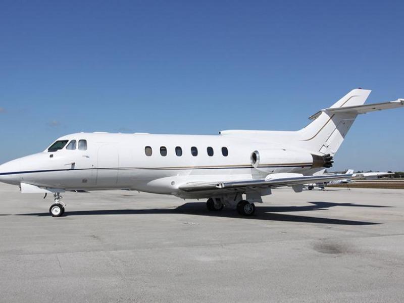 Hawker 600